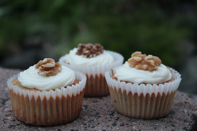Homemade Apple and Walnut Cupcakes | Zucker und Zimt | Pinterest