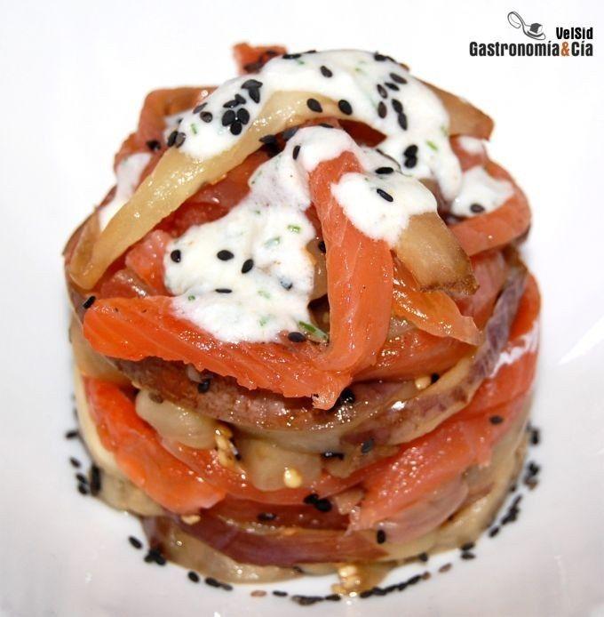 Receta de ensalada de salmón y berenjenas.