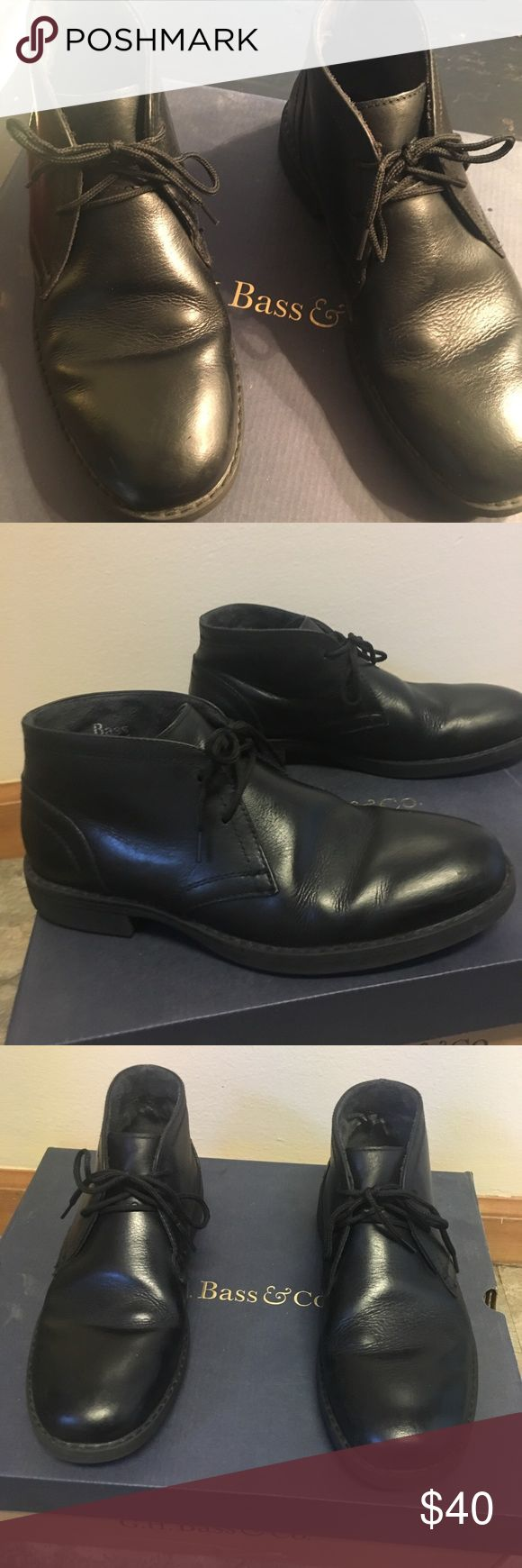 BASS Men's Black Chukka Boot Genuine leather with rubber sole lace up styling boot in black. In excellent condition. From a smoke free home Bass Shoes Chukka Boots
