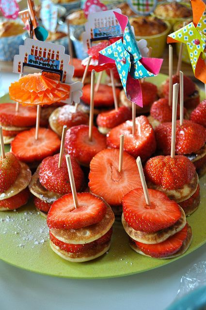 Mini Pancakes and Strawberries. I'm obsessed, I like the Gluten Free pancake mixes and would love it even more if I could do it bite sized! Also would be amazing for a great brunch! #foods #recipes
