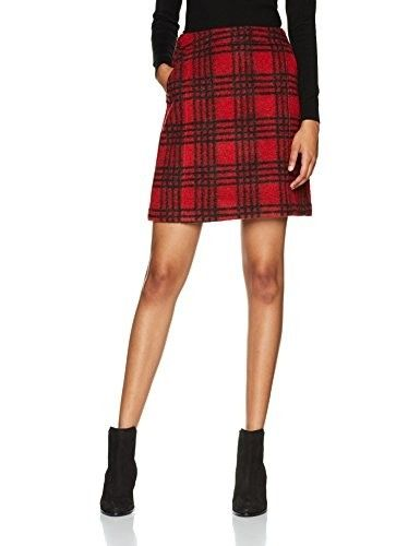 Minifalda roja #faldas #moda #mujer #outfits  #minifaldas #faldasinvierno #style #shopping #fashion #modafemenina #cuero #leather #minifaldaroja #red