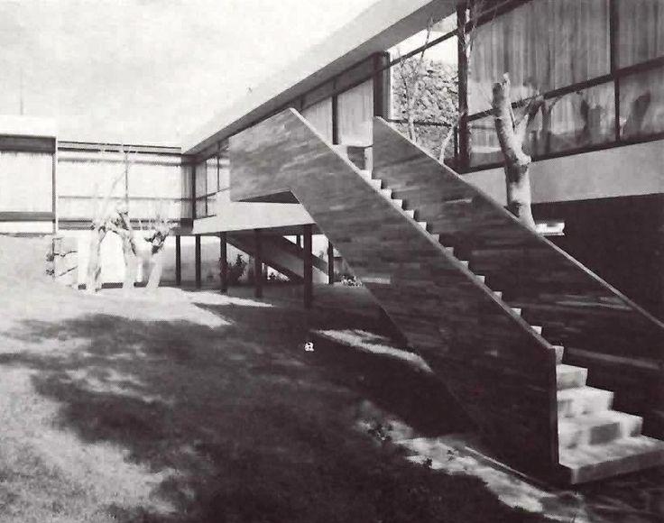 Casa en Lomas, av. Las Palmas, Lomas de Chapultepec, México DF 1951 -  Arqs. Ricardo de Robina y Jaime Ortiz Monasterio