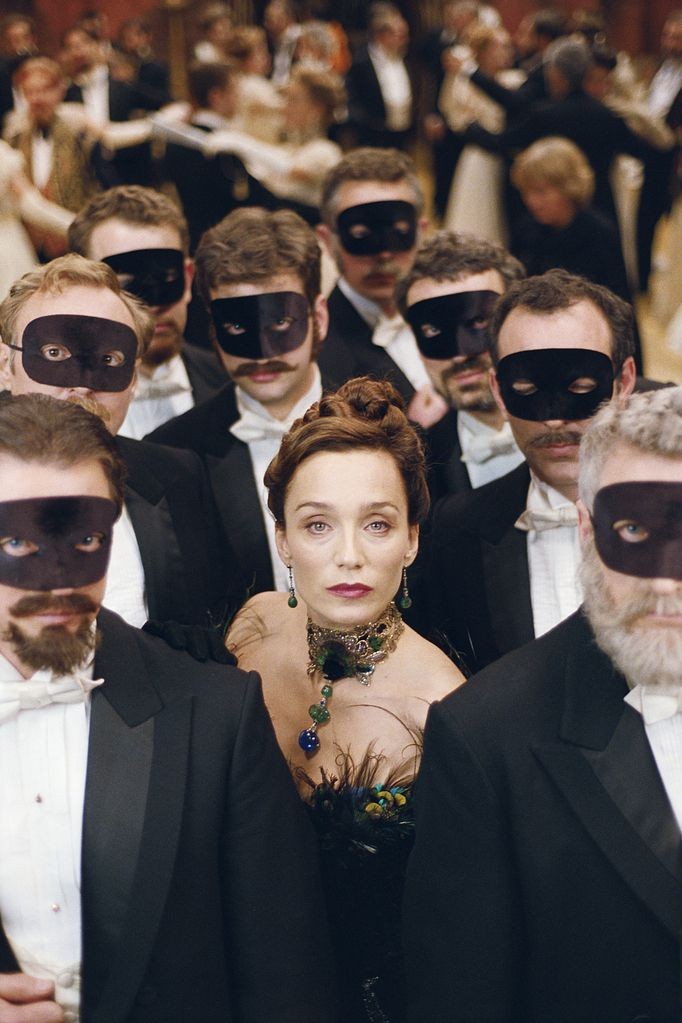 Kristin Scott Thomas - goddess - in Arsène Lupin - 2004