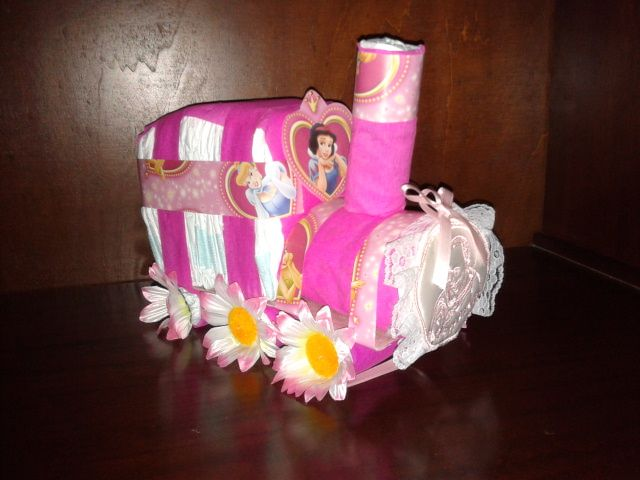 Treno rosa di pannolini Train pink Diaper cake