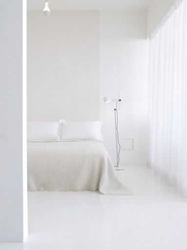 White minimal bedroom.