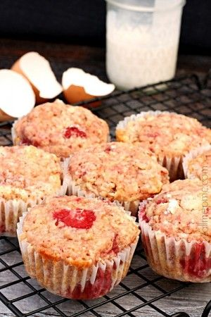 Strawberry Muffins with Almond Milk and Coconut Oil