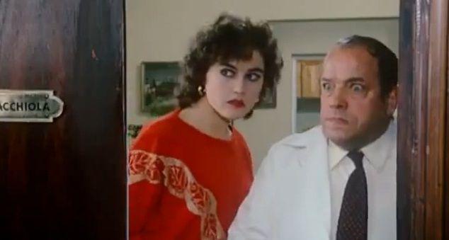 """Bombolo e Lory Del Santo in """"W la foca"""" di Nando Cicero (1982)"""