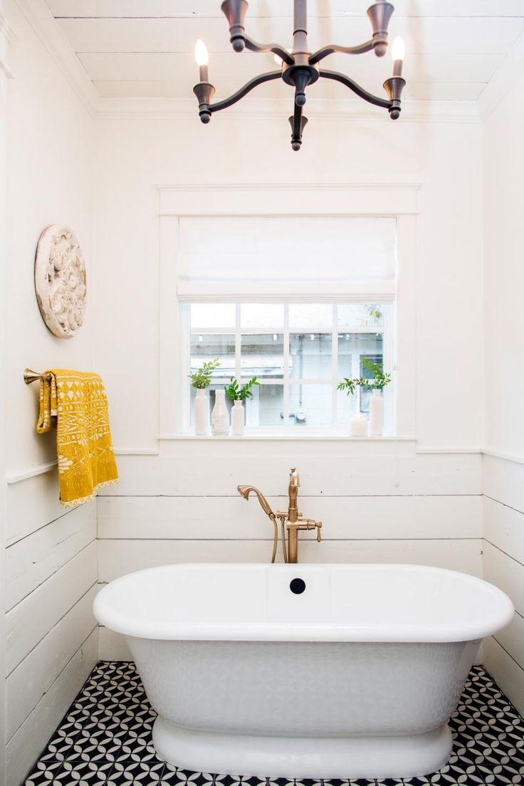 17 best images about fixer upper on pinterest craftsman - Fixer upper long narrow bathroom ...