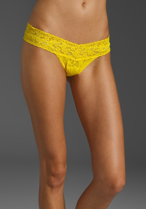 HANKY PANKY Signature Lace Low Rise Thong in Tumeric: Rise Thong