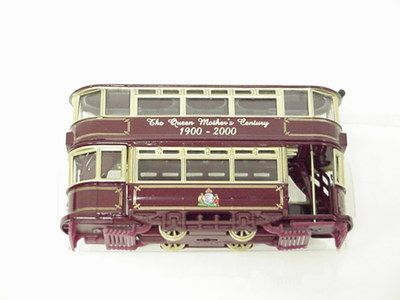 Corgi The Queen Mothers century tram #36712 1900-2000 certificate # 2922