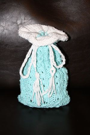 Knitted Soap Holder Pattern : 20 best images about Bath mitt/Soap sack on Pinterest Sacks, Crochet projec...