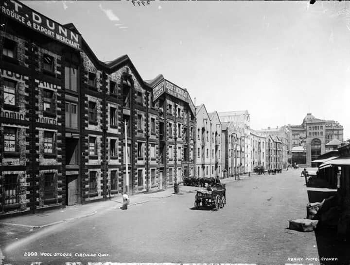 The Wool Stores at Circular Quay in Sydney in 1900.Photo from Powerhouse Museum.A♥W
