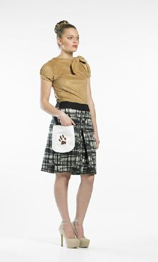 For the intelligent & energetic just like the Jack Russell representing these culottes. Rarely seen these days but sure to make a comeback, these culottes come in our etched tartan cotton/spandex print and features a large white patch pocket with the signature handprinted muddy paw print from our Pedigree collection...