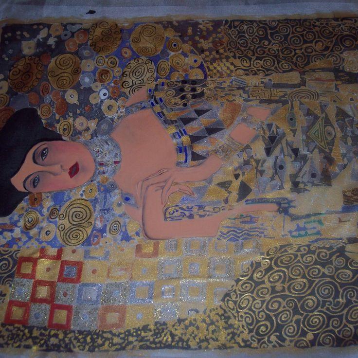 Obraz vznikol na motív obrazu od Gustava Klimta, celý obraz je maľovaný tromi druhmi farieb, farbami na hodváb, farbami na odevy a farbami akrylovými, detaily su citlivo a jemne..