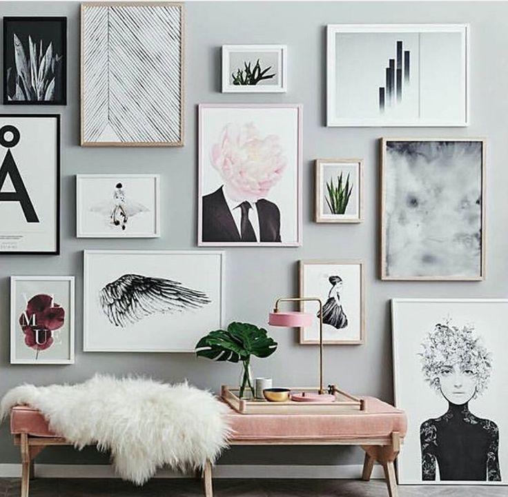 стесняясь расположение постеров на стене длинной странной причёски