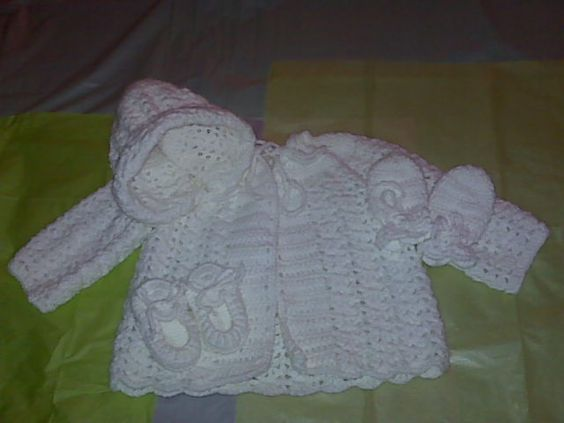 Baby sweater set. Free crochet pattern. - Crafts - Free Craft | baby