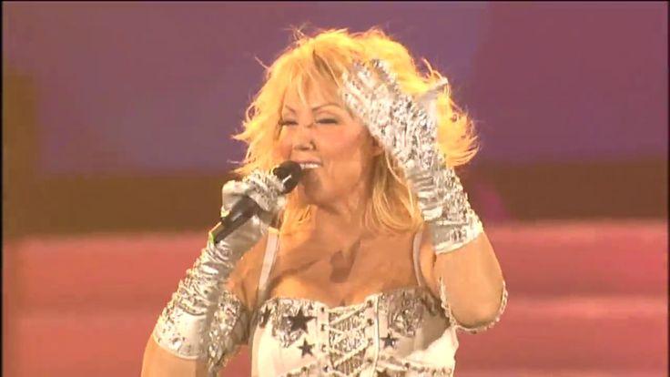 Lepa Brena - Bato, Bato - (LIVE) - (Beogradska Arena 20.10.2011.)