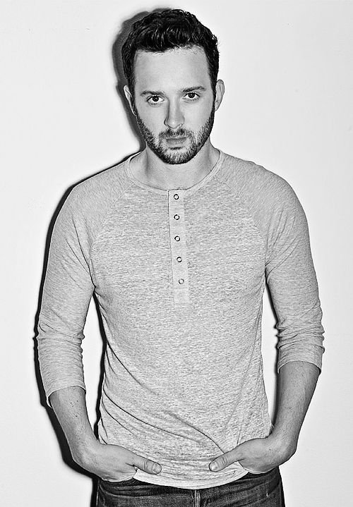 Scorpion: Eddie Kaye Thomas