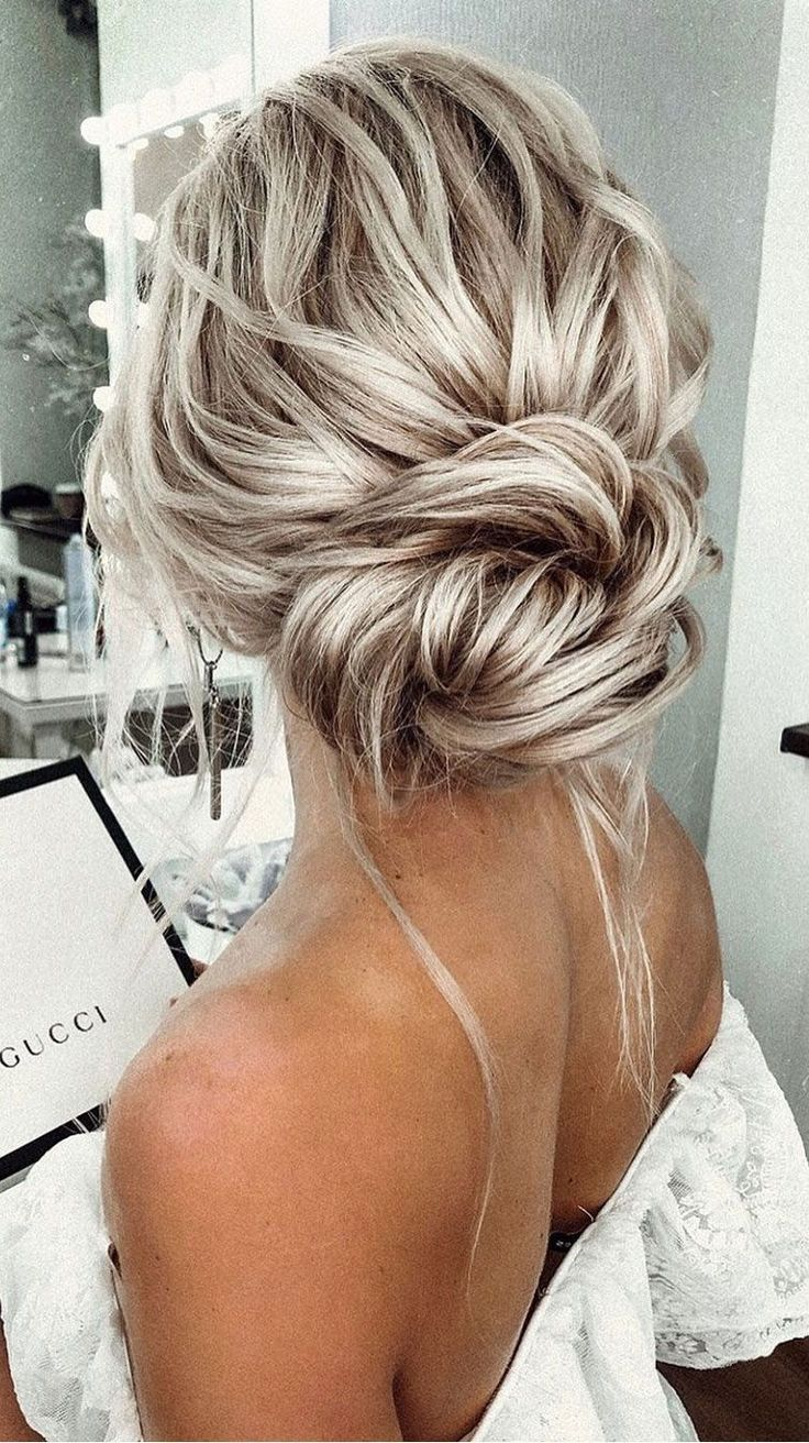 Textured updo hairstyle,simple updo,low bun wedding hair,messy bridal updo, mess… 252e353781683fa46ef3d80d165fcf95