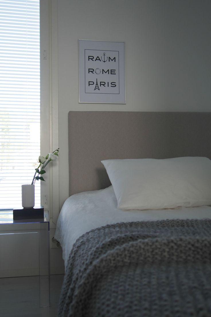 Hannas Home / RaumRomeParis print designed by Iiro Koski / Rauma Rooma Pariisi / modern black and white / bedroom