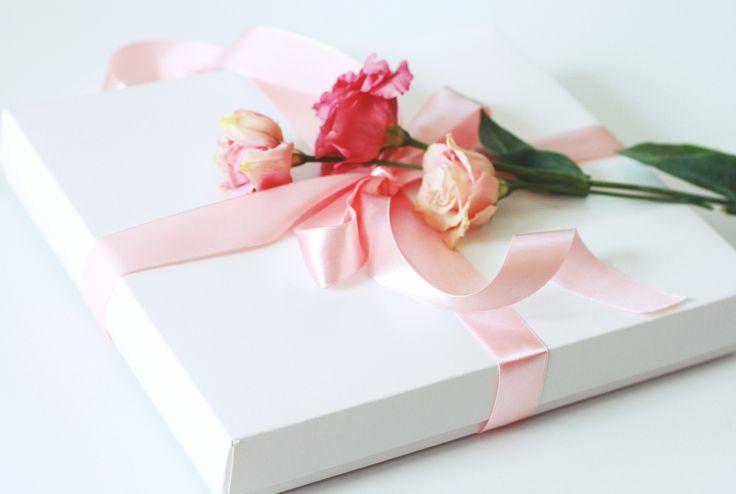 Jeśli jesteś Panną Młodą lub kupujesz bieliznę dla Panny Młodej - powiadom nas o tym - a zapakujemy prezent w specjalny sposób :) http://pl.dawanda.com/product/94857395-biay-koronkowy-stanik-la-lis-panna-moda http://pl.dawanda.com/product/94858791-komplet-lorchidee-blanche---dla-panny-modej #underwear #bielizna #lingerie #lebaiser #elegantpacking #prezent #gift #pomyslnaprezent #present #wedding #ślub #bride #pannamłoda #special #weddinggift