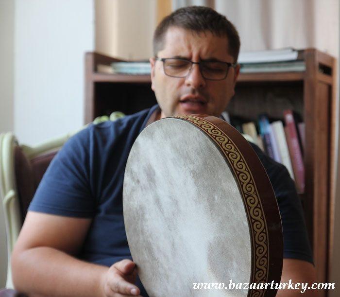 Turkish Music - Ney - Bendir Lesson in our workshop with our Teacher Murat - Sultanahmet / Istanbul August 2016 http://www.bazaarturkey.com/tours/turkish_music_lessons.html