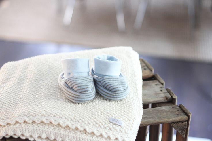 Ursöta skor att hålla fossingarna varma med i höst. Mer info och fler bilder på litenelsa.blogg.se #barnkläder #babykläder #bebiskläder #skor #barnskor #babyskor #bebisskor #sy #sytt #färger #inspiration #gulligt #sött #litenelsa