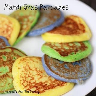Mardi Gras Pancakes: Gras Parties, Yummy Holidays, Food Colors, Thefoodieandthefamili Com, Mardi Gras Pancakes Jpg, Rainbows Pancakes, Gras Ideas, Easter Eggs, Gras Pancakes Cute