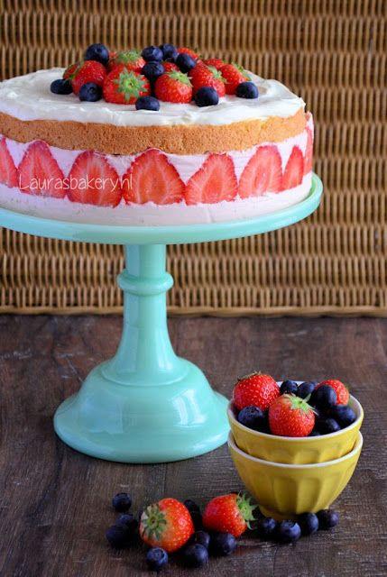 Aardbeien kwarktaart met mascarpone crème - Lauras Bakery