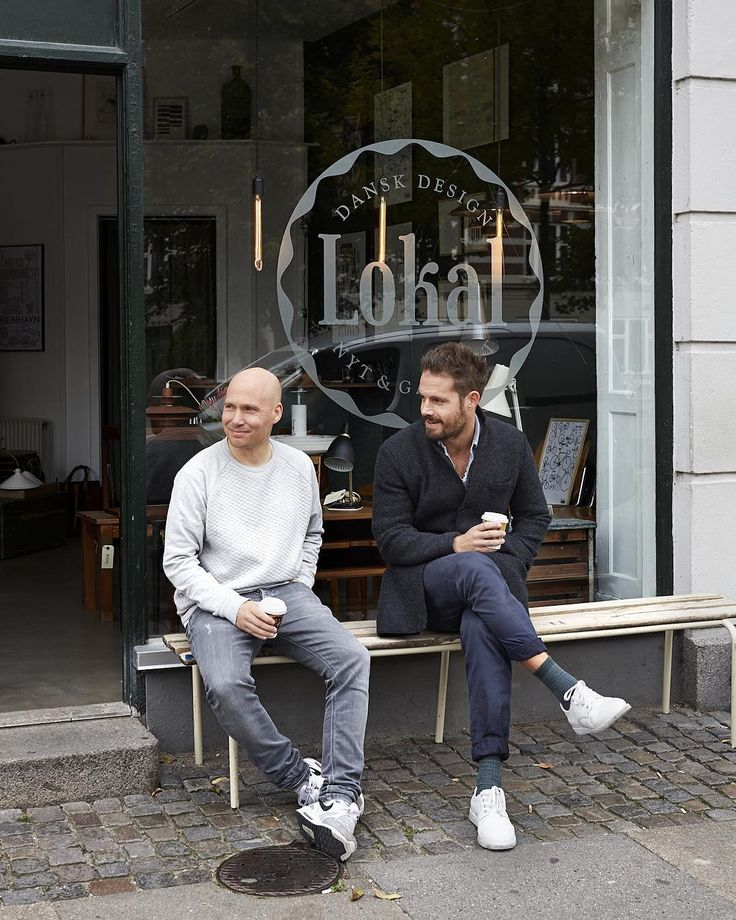 #lokalbutik #danishdesign #vbro #haandsmykker #jewelry #handmade #craftsmanship #vintage #danishmodern #classics  Great little meeting with Rasmus from @everclassiccom - about an exciting little collaboration, will tell you more soon.  Coffee outside the shop on a grey day, is not so bad.  Open again tomorrow and the rest of the week from 11-17.  Photo: Maria Warnke Nørregaard