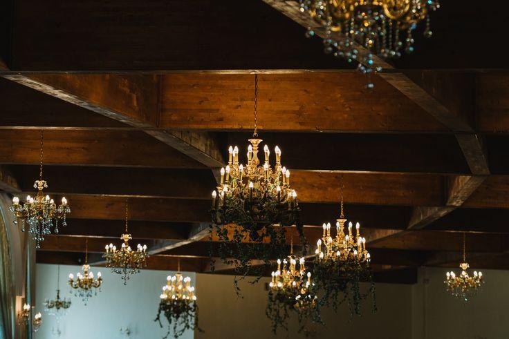 Alice in Wonderland / Vintage Teapot Eclectic Wedding Theme Decor - Satori Art & Event Design  #green #moss #teapot #copper #lantern #candles #eclectic #teaparty #design #decor #wedding #event #flowers #weddinginspiration #tablescape #details #vintage #romania #inspiration #diy