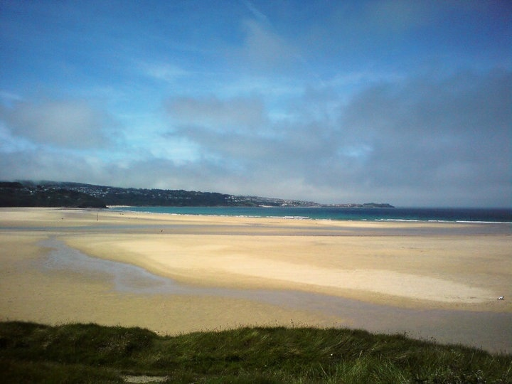 This is where I'll be in a year and three month's!! Hayle, Cornwall <3