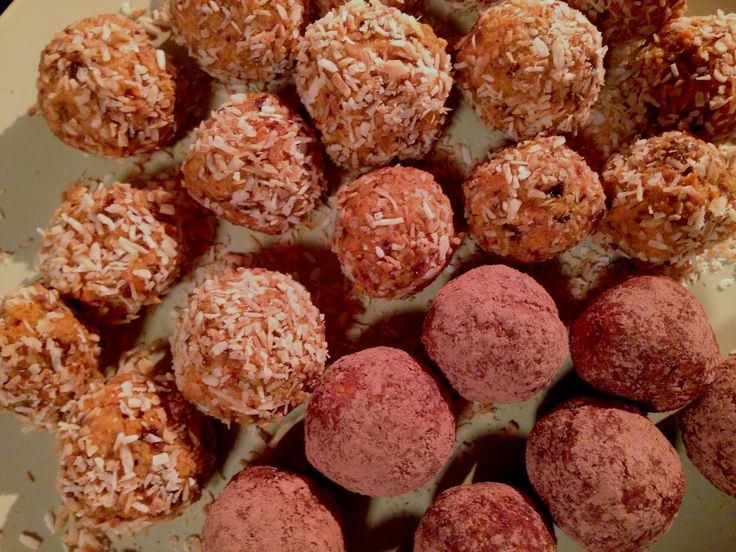 Raw Carrot Cake Truffles...to DIE for. My favorite dessert just made ...