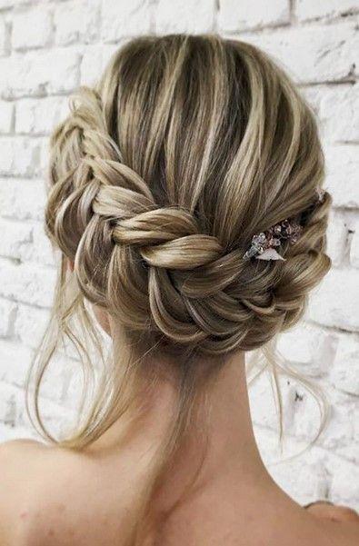 Μαζεμένα μαλλιά mallia mazemena me plexouda