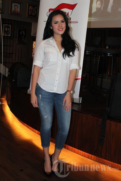 RAISA - Penyanyi, Raisa Andriana (Raisa) saat menghadiri konferensi pers Konser SATU Indonesia dengan tema 'Salute to Guruh Soekarno Putra', di Hard Rock, SCBD, Jakarta Selatan, Rabu (29/10/2014). TRIBUNNEWS/JEPRIMA