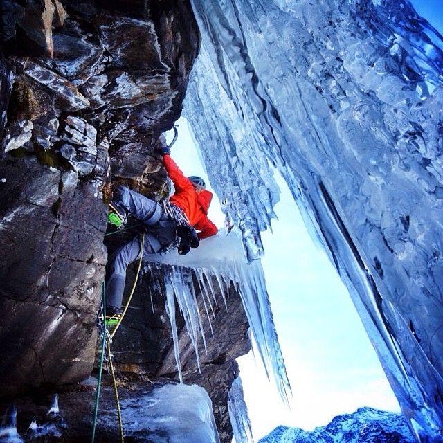 """Arc'Athlete Tanja Schmitt mixed climbing """"Doccia Fredda"""".  Photo: Arc'Athlete Matthias Scherer"""