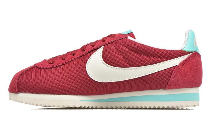 """Alle har vel hørt om Nike, men slik begynte det...Nike ble grunnlagt i 1972 av Phil Knight og Bill Bowerman, og er et amerikansk selskap som spesialiserer seg i sko, klær og sportsutstyr. Navnet er inspirert av den greske gudinnenen Nike, """"""""den bevingede  ..."""