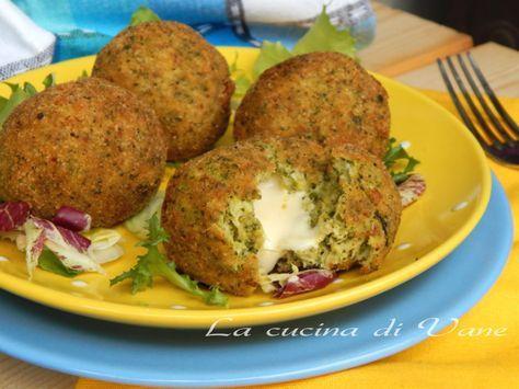crocchette di broccoli al forno con cuore di formaggio ricetta golosa per realizzare delle polpette gustose a base di verdura. Cotte in forno più salutari
