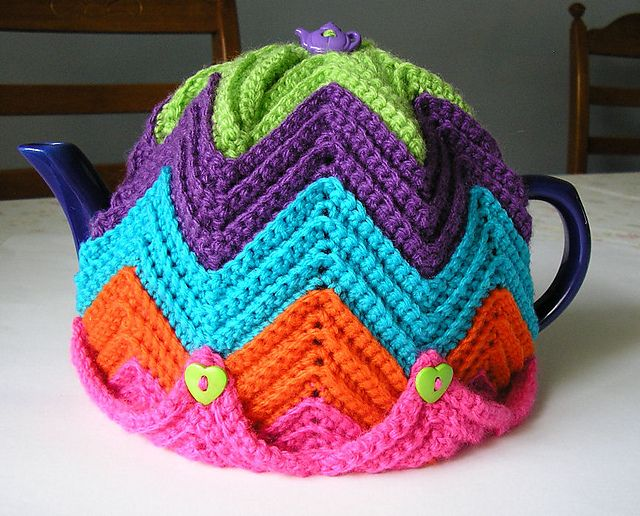 Easy Ripple Tea Cosy pattern by Jenny Stacey- not available on ravelry, sorry. Trying to find her blog to get the pattern, which I love.
