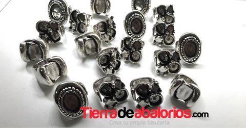 Anillos de Zamak... ponle color con nuestros cabujones de Resina y ve a la última... #anillos #zamak #resina #abalorios #manualidades #hazlotu #diy #tiendadeabalorios