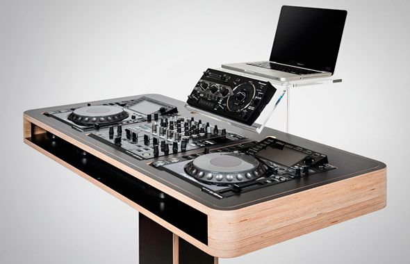 The Stereo.T hoerboard is home for the annoying power and audio wires, hiding them inside it. Being practical is not the only asset of this good looking DJ stand. [More on HisPotion]