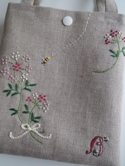 刺繍のミニバッグ(Bee) 2x