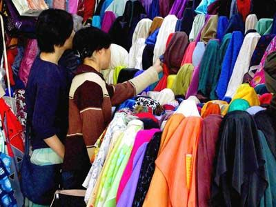 12 best c h i n a images on pinterest guangzhou chinese and hong kong amanda intl group guangzhou china guangzhou zhongda fabrics market junglespirit Choice Image