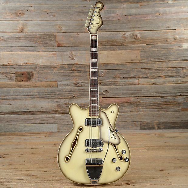 17 best images about guitars gretsch jazz and 1960s 1971 fender coronado ii antigua s780