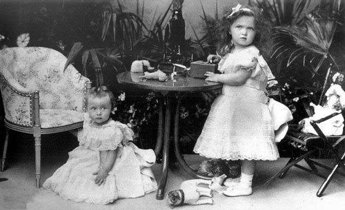 Grand Duchesses Tatiana Nikolaievna and Olga Nikolaievna
