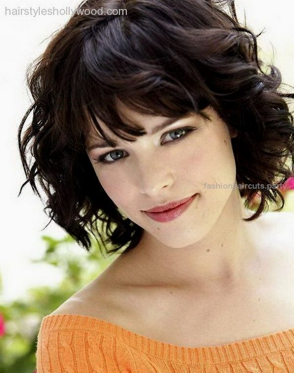 25 Beautiful Short Haircuts For Round Faces Curly Hairstyle