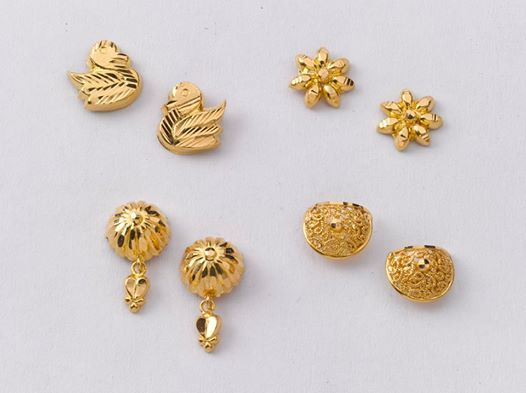 Stunning Pairs Of Earrings From The Gold Factory Left To Right A 1 100 Gms