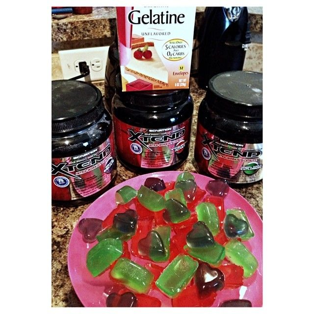"""""""@hazm0 and I made these Xtend Gummies. They taste amazing and are pretty much calorie-free! Directions: Heat 1/2 cup water with 1 scoop Scivation…"""""""