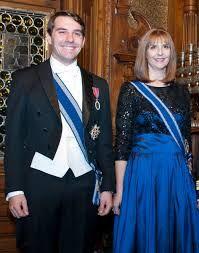 Nicolae Medforth-Mills (Principele Nicolae) cu mătușa lui, Principesa Maria (Mariana), fiica cea mai mică a Regelui Mihai.