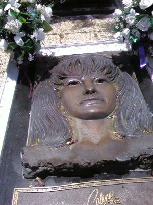 Saturday's Road Trip-Saw Selena's grave. SelenaFuneralViagens De ...